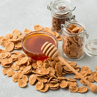 蜂蜜とクローズアップの穀物
