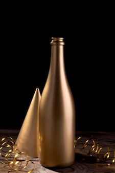 テーブルの上のクローズアップシャンパンボトル