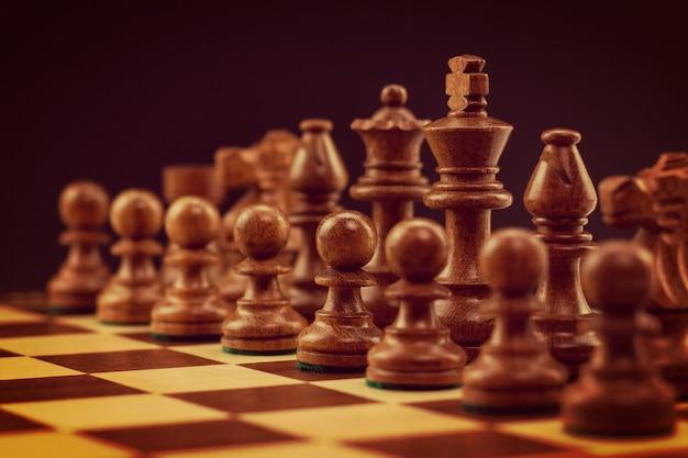黒い部分でチェス盤をクローズアップ