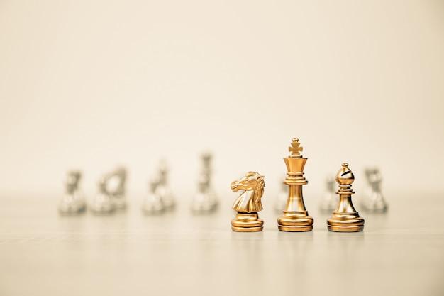 列の前のクローズアップチェスチーム。