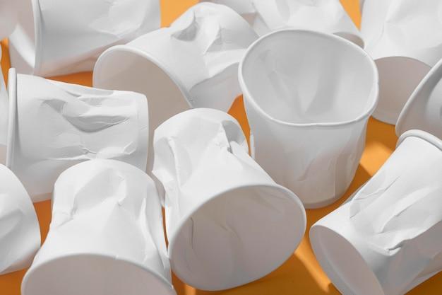 플라스틱 컵의 클로즈업 컬렉션