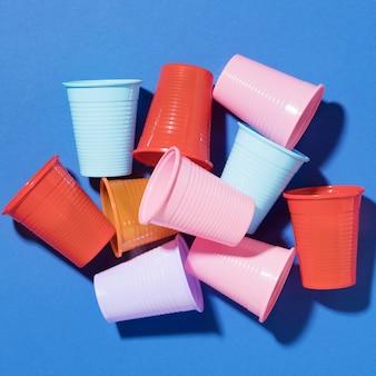 プラスチックカップのクローズアップコレクション