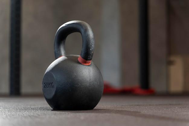 Primo piano del peso dell'allenamento crossfit