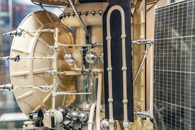 우주선의 세부 사항을 닫습니다. 로켓 우주선 엔진 f의 일부