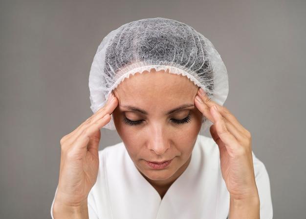 근접 의사가 두통을 경험