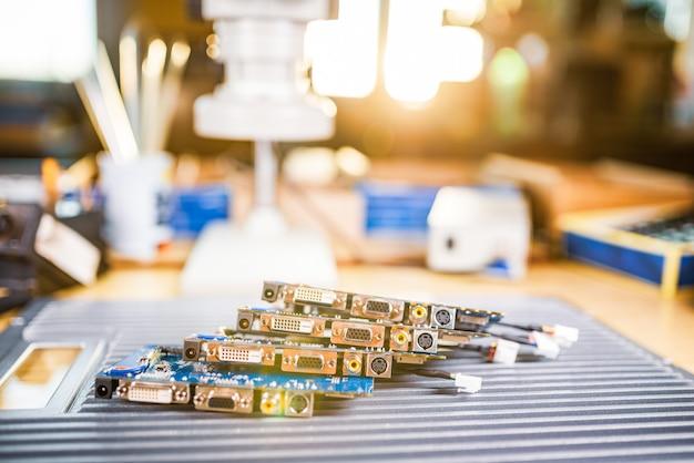 근접 전기 녹색 임베디드 마이크로 회로 생산