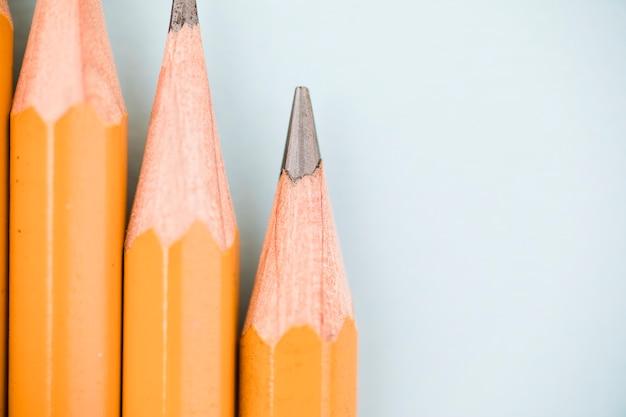 Крупный конец графитового карандаша