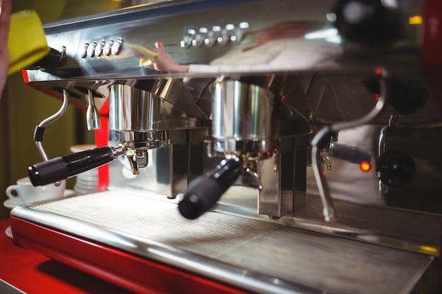 Close-up della macchina da caffè espresso