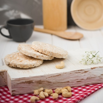 Close-up expanded rice on wooden board