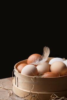 クローズアップの新鮮な鶏の卵