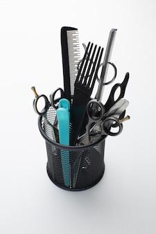 Chiuda in su delle forniture per parrucchieri
