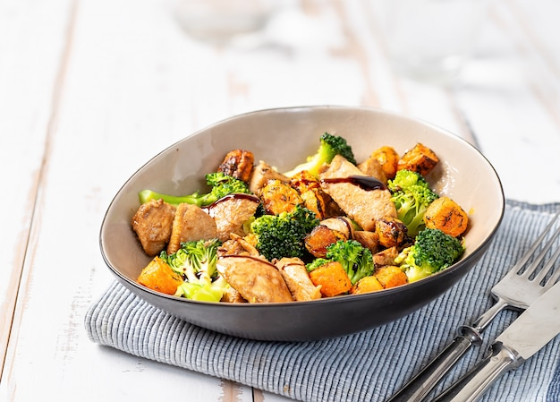 Close up of healthy salad with chiken and broccoli