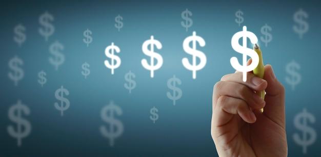 Крупным планом человеческая рука рисунок значок деньги