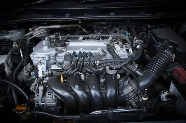 Крупным планом изображение автомобильного двигателя
