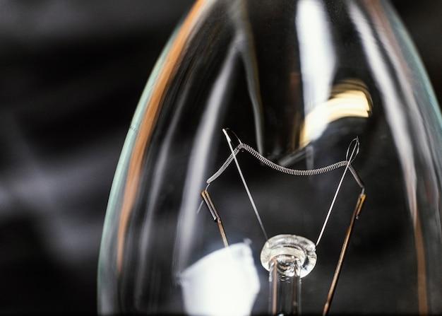 電球の背景をクローズアップ