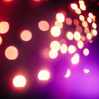 紫色のフラッシュ上のクローズアップライト