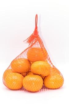 Закрыть сетку апельсинов