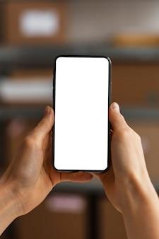 Chiudere il cellulare con lo schermo vuoto