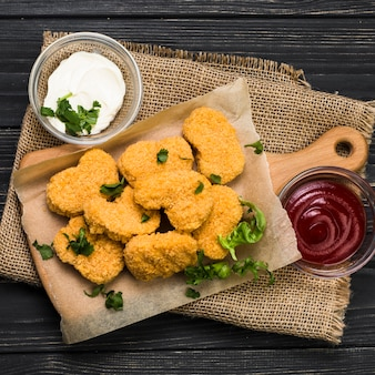 Close-up nuggets and sauces