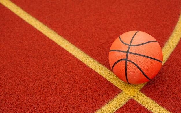 Крупным планом баскетбольный мяч