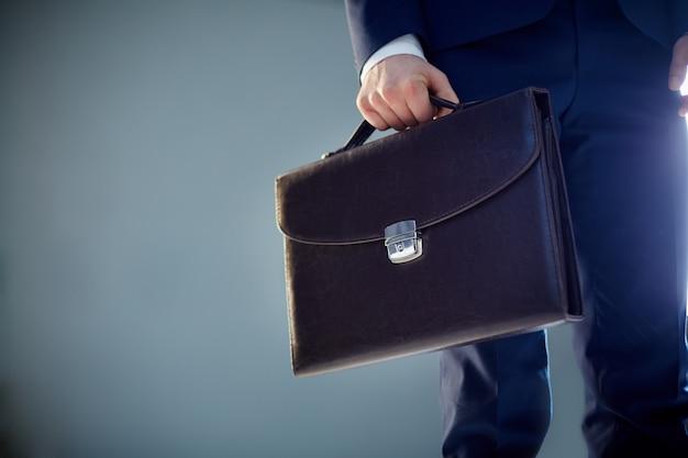 Крупным планом портфель