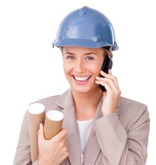 전화 여성 건축가의 클로즈업