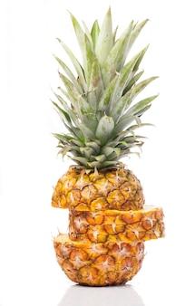 Крупным планом зрелого ананаса