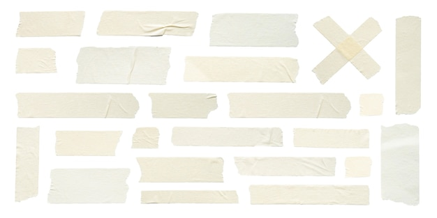 白い背景に設定された粘着テープのしわのクローズアップ