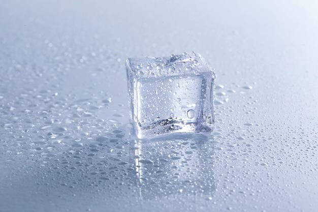 Крупным планом кубика льда