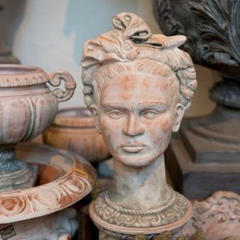 アンティーク工芸品、サンミゲルデアジェンデ、グアナフアト、メキシコのクローズアップ