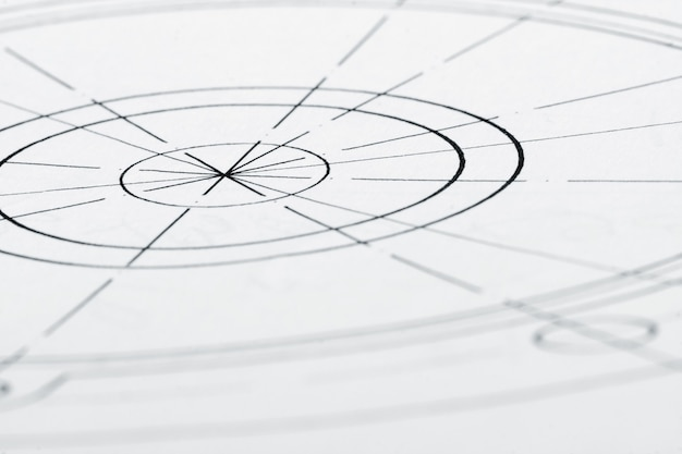 Крупным планом архитектурного дизайна, опираясь на стол