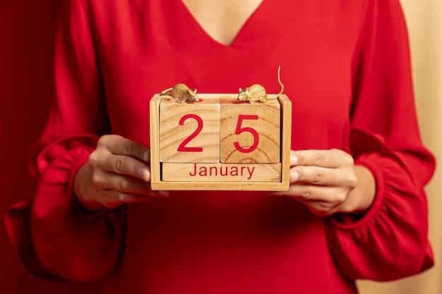 中国の旧正月の日付とカレンダーのクローズアップ