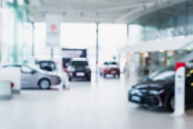 Крупным планом автомобиля в автосалоне