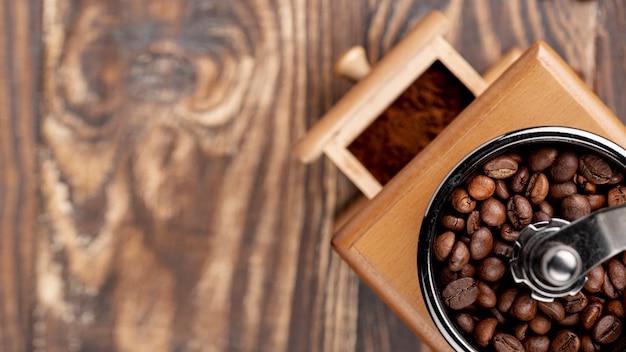 Крупным планом концепции кофе на деревянный стол