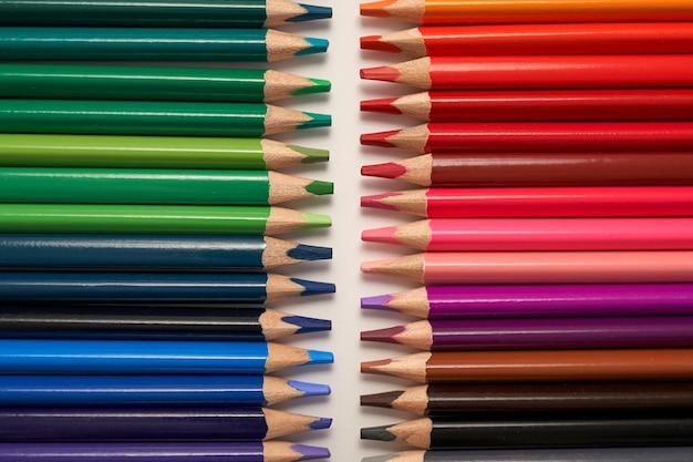 色鉛筆行のクローズアップ