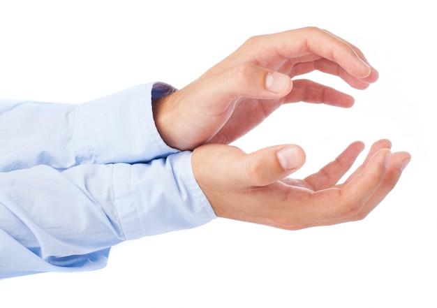 Крупным планом исполнительной жесты руками