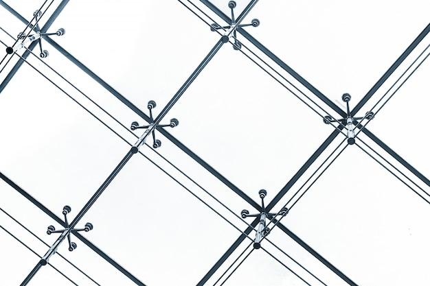 Крупным планом фасад со структурой металла