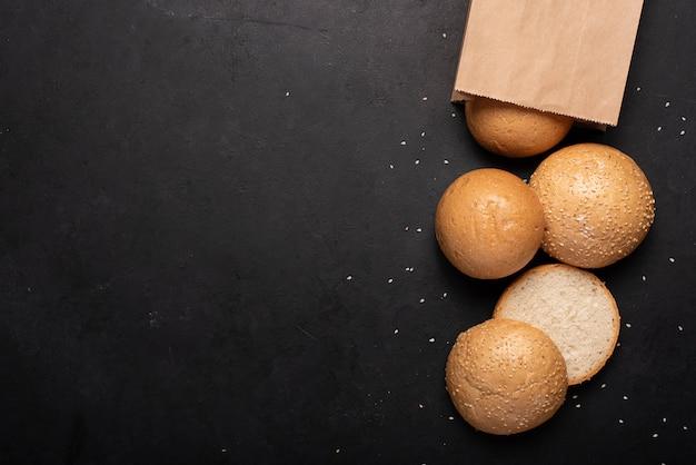 Крупный план свежего пшеничного хлеба