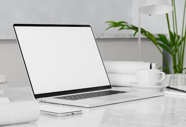Пустой белый экран в домашнем интерьере на рабочем месте