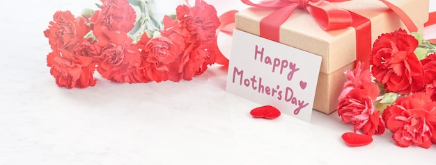 어머니의 날 인사말 선물 개념 닫습니다.