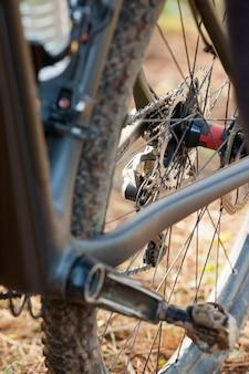 Крупный план горного велосипеда