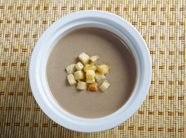 버섯 수프를 닫습니다.일본 요리