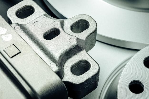 Закройте новые запасные части автомобиля