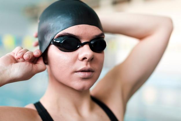 Крупным планом профессионального пловца