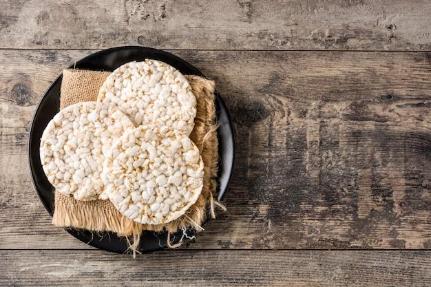 Крупный план воздушные рисовые лепешки