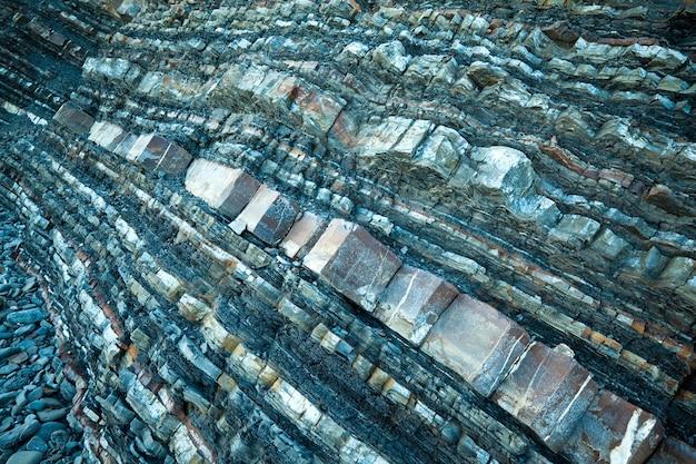 산의 조각에 바위 바위의 클로즈업