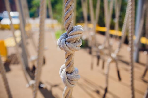 Крупный план веревочного узла