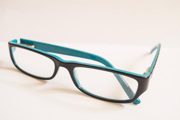 シンプルな眼鏡のクローズアップ