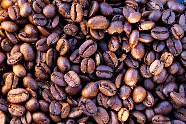 いくつかのコーヒー豆のクローズアップ