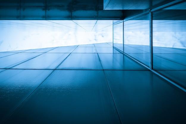 グランドシアターの近代建築のクローズアップ
